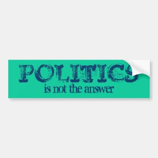 POLITIK ist nicht die Antwort Autoaufkleber