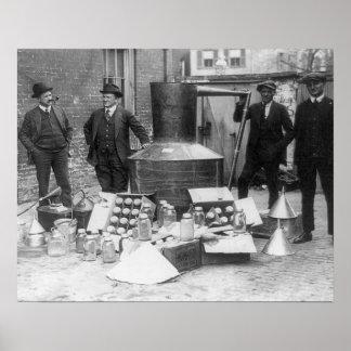 Polizei mit noch konfisziert, 1922. Vintages Foto Poster