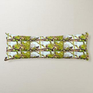 Polyester-Körper-Kissen - Tauben auf einem Glied Seitenschläferkissen