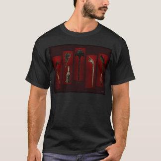 Polynesische Waffen Tikis an Rückseite T-Shirt