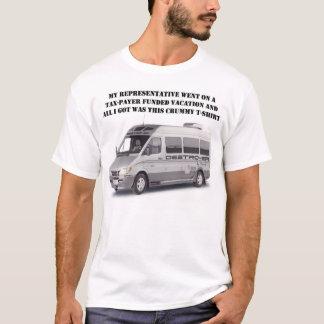 Pombo in ihrer Tasche T-Shirt