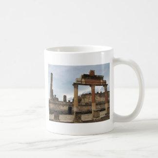 Pompeji - restliche Spalten des Säulengangs Kaffeetasse