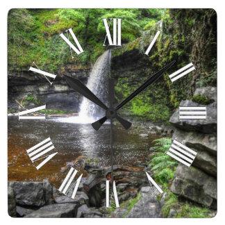 Pontneddfechan Gwladys Wasserfall-Natur-Szene Quadratische Wanduhr