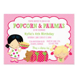 Popcorn-und Pyjamassleepover-Party