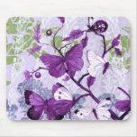 Populäre lila Schmetterlinge Mousepad