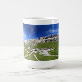 Pordoi Durchlauf und Berg Kaffeetasse