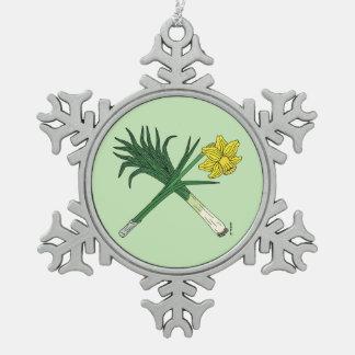 Porree und Narzisse gekreuzt Schneeflocken Zinn-Ornament