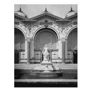 Portico und Brunnen an dem universellen Postkarte