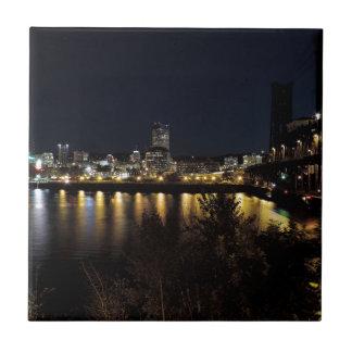 Portland-Skyline nachts Keramikfliese