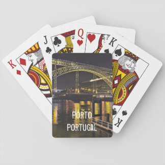 Porto - Portugal. Nachtszene nahe Duero-Fluss Spielkarten