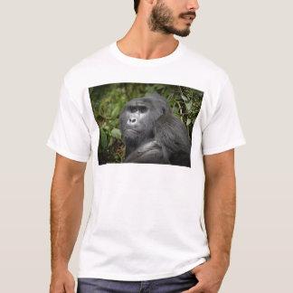 portraet eines Silverback-Berggorillas T-Shirt