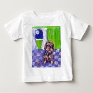 Porträt einer Drahthaar-Dackel Baby T-shirt