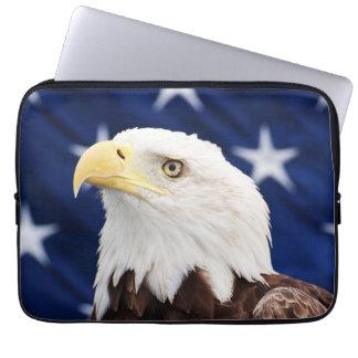 Porträt eines Weißkopfseeadlers mit der Laptopschutzhülle