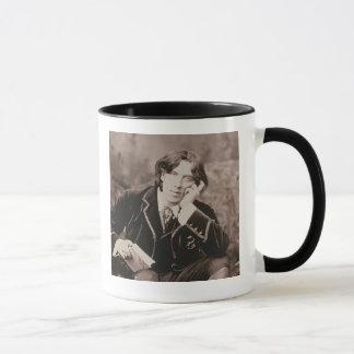 Porträt von Oscar Wilde (1854-1900), 1882 (b/w pho Tasse