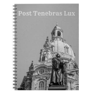 Posten Tenebras Lux-Notizbuch-hellgrauer Text Notizblock