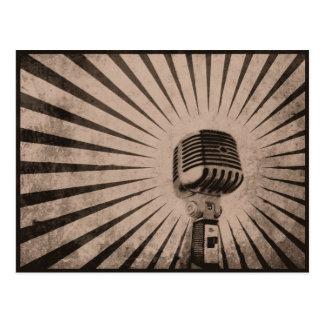 Postkarte mit coolem Vintagem Mikrofon