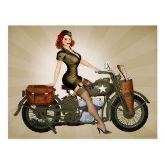 Postkarte Sergeant-Davidson Army Motorcycle Pinup