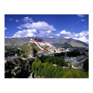 Potala-Palast auf Gebirgszug vom aher Postkarte