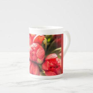 Prachtvolle rote Tulpen Porzellantasse