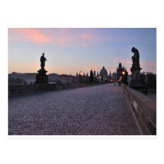 Prag durch Dämmerung Postkarte