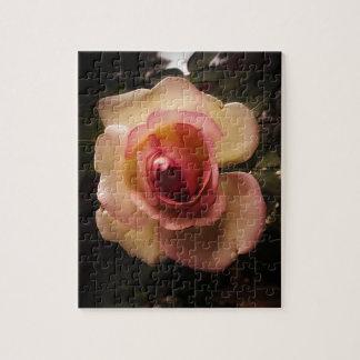 Prägeartige Sommer-Rose Puzzle