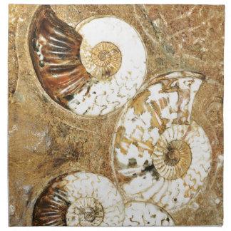 Prähistorischer Hintergrund mit versteinerten Serviette