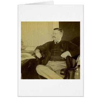 Präsident Roosevelt an seinem Schreibtisch im Karte