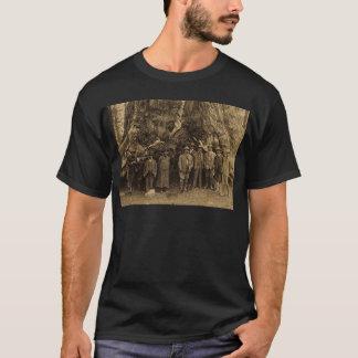 Präsident Roosevelt und John Muir unter (Sepia) T-Shirt