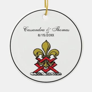 Preppy Goldrotes heraldisches Wappen-Lilien-Emblem Keramik Ornament