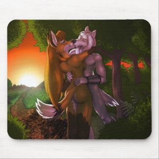 Priam u. Ingwer - Liebe im Wald Mousepads