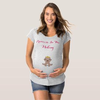 Prinzessin im machent-stück schwangerschafts T-Shirt
