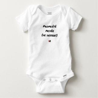 Privatgrundstück (VON NACHTISCH) - Wortspiele Baby Strampler