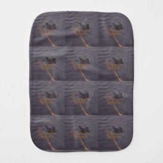 Prüfung auf Ihnen Alligatorgrauen Burp-Stoff Spucktücher