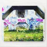 psychedelische Graffitis auf Brücke Mauspad