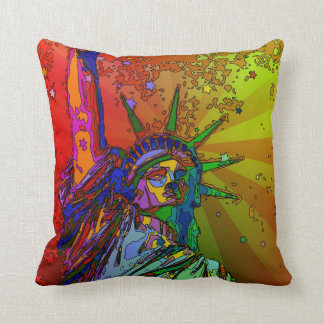Psychedelisches NYC Regenbogen-Farbfreiheitsstatue Kissen