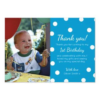 Punktierter Geburtstag der Jungen Polka danken Karte