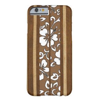 Pupukea Hibiskus-hawaiisches Imitat-Holz-Surfbrett Barely There iPhone 6 Hülle