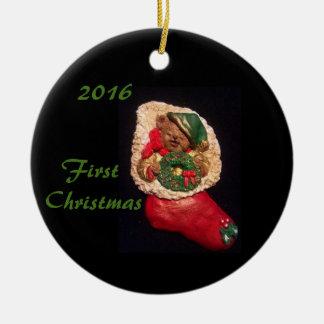 PYJAMA-JUNGEN-ERSTE WEIHNACHTSverzierung 2016 Rundes Keramik Ornament