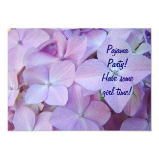 Pyjama-Party! Einladungs-lila blaue Blumenkarten Personalisierte Ankündigung