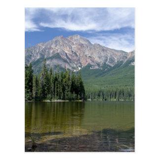 Pyramide-Berg und See Alberta Kanada Postkarte