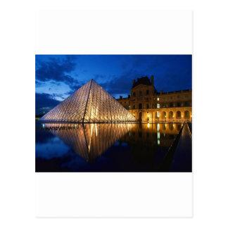 Pyramide im Louvre-Museum, Paris, Frankreich Postkarte