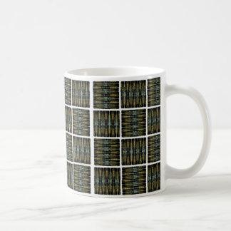 Quadrat deckte Tasse mit Ziegeln