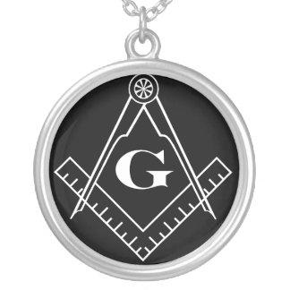 Quadrat-und Kompass-Halskette