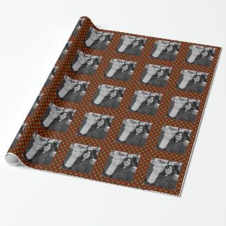 Quadratischer Fotorahmen der Feiertagspolkapunkte Geschenkpapier