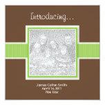 Quadratisches Grün und Brown-Geburts-Mitteilung Personalisierte Einladungskarte