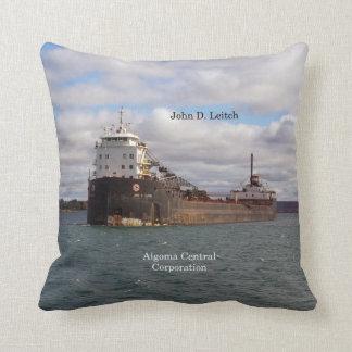 Quadratisches Kissen Johns D. Leitch
