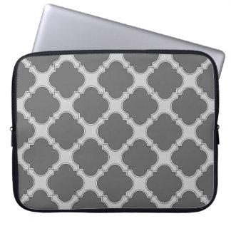 Quatrefoil in den Schatten des Graus Laptop Sleeve