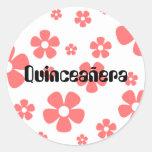 Quinceañera - rosa Blumenaufkleber Runder Sticker