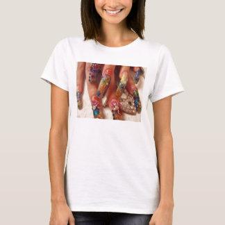 R geheimer Nagel-Entwurf T-Shirt