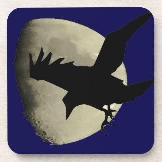 Raben-Fliegen über dem Mond Getränkeuntersetzer